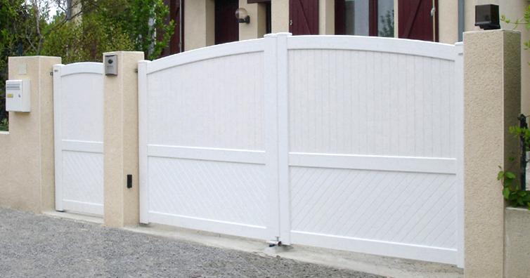 portail pvc à rennes (bretagne) | clôtures services